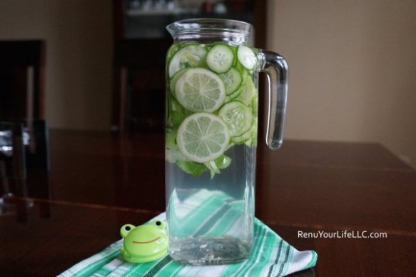 DSC01392-Cucumber-lime-mint-water-Optm