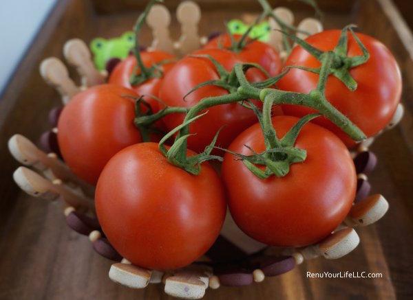 DSC02084-Tomatoes-Optm