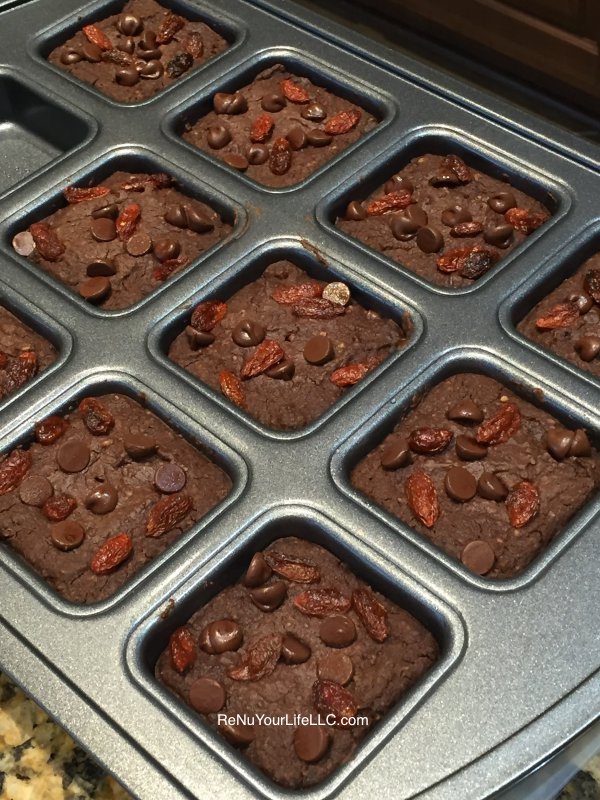 Brownies fresh from oven Optm